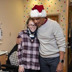 PHOTO: Former President Barack Obama visited children and families at the Childrens National hospital in Washington, D. to drop off some Christmas gifts. Barak And Michelle Obama, Barack Obama Family, First Black President, Black Presidents, Pixie Styles, Most Beautiful People, Black Celebrities, Sick Kids, Black Families