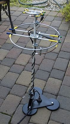 """I have wanted to try 2 meter SSB mobile for some time but did not have a horizontally polarized antenna to try it out. Since I had success building a pair of 2 meter loops"
