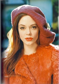 Rose McGowan is a Deep Autumn (Not a Bright/Clear Spring)