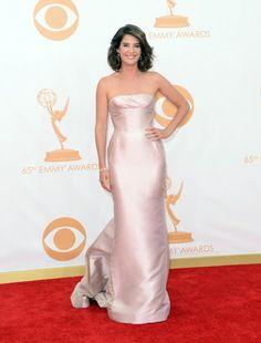 Cobie Smulders vestindo J. Mendel, Emmy Awards 2013