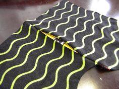 PuuhakasPaja: Tehdäämpä sivusauma tasku Sewing Hacks, Sewing Tips, Animal Print Rug, Knitting, Crafts, Jersey, Manualidades, Tricot, Breien