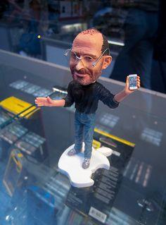Tiny Steve Jobs Selling iPhones In Midtown Manhattan