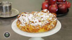Η συνταγή του Βαγγέλη Δρίσκα για μια πρωτότυπη μηλόπιτα σουφλέ με σταφίδες! French Toast, Breakfast, Food, Cakes, Drinks, Morning Coffee, Drinking, Beverages, Cake Makers