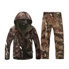 Camouflage Hunting Clothes Shark Skin Soft Shell Lurkers Tad V Outdoor Tactical Military Fleece Jacket+ Uniform Pants Suits Hunting Suit, Hunting Jackets, Hunting Clothes, Hunting Gear, Camo Outfits, Sport Outfits, Camouflage Suit, Hunting Camouflage, Camouflage Clothing