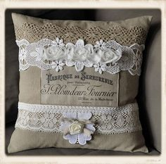 - by Guria via The Graphics Fairy coussin dentelle Burlap Projects, Burlap Crafts, Fabric Crafts, Sewing Crafts, Sewing Projects, Sewing Pillows, Diy Pillows, Linen Pillows, Decorative Pillows