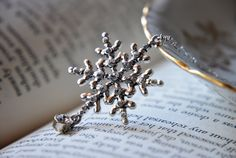 Sterling Silver Winter Wonderland snowflake wire wrapped necklace - Holiday Jewelry -