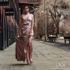 I am a rose and roses werent made to be held tightly. From NY photoshoot Check the link to our website in bio to access the rest of our collection #newyork #photoshoot #dress #dresstoimpress #wintervibes #thelrx #lareina #rosegold
