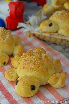I panini tartaruga, realizzati con un delicato impasto al latte, faranno la gioia dei bambini; preparateli per un buffet, il successo è assicurato! #PinterestxAltervista