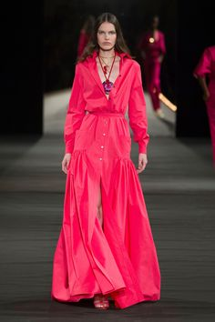 Pin for Later: 135 of Spring's Most Beautiful Red-Carpet-Worthy Evening Gowns Paris: Alexis Mabille Modest Fashion, Hijab Fashion, Fashion Dresses, Couture Fashion, Fashion Show, African Attire, Fashion Sewing, Colorful Fashion, Stylish Outfits