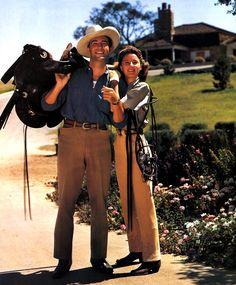 Robert Taylor & Barbara Stanwyck at home