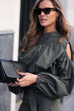 caqui total look looks - Lady Addict Fashion Now, Fashion Line, Urban Fashion, Girl Fashion, Womens Fashion, Fashion Design, Lunette Style, Chic Outfits, Fashion Outfits