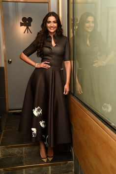 Sonam Kapoor Promoting Neerja With All Fashion Factor - Eventznu.com - Fashion & Lifestyle, Beauty & Makeup, Entertainment & more..