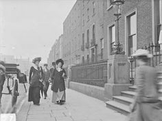 Grafton Street Nassau Street Nurse on Merrion Square St Stephen's Green Old Pictures, Old Photos, Vintage Photos, Irish Independence, Grafton Street, Fawn Colour, Images Of Ireland, Book Of Life, Street Photography