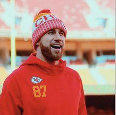 Kelce Chiefs, Catching Kelce, Travis Kelce, Italian People, Crazy Games, Bae Goals, Games Today, Interracial Couples, Kansas City Chiefs