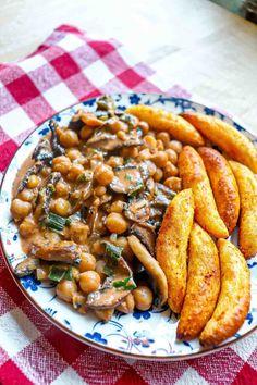 Mancare de naut cu ciuperci si galuste de cartofi - Ama Nicolae Lidl, Chicken Wings, Sausage, Meat, Food, Recipes, Sausages, Essen, Eten