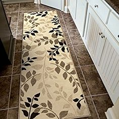 "Amazon.com: Orian Rugs Indoor/Outdoor Leaves Carlisle Ivory Runner Rug (2'3"" x 8'): Kitchen & Dining"
