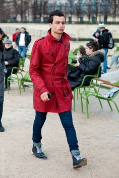 Bold red trench coat.Stunning !!! #madridstreetfashion