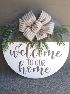 Wooden Door Signs, Wooden Door Hangers, Diy Wood Signs, Painted Wooden Signs, Pallet Signs, Hand Painted, Christmas Wood, Christmas Signs, Welcome Signs Front Door