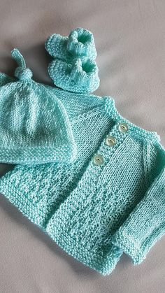 Ravelry Milk Sugar Baby Cardigan pattern by marianna mel . - Ravelry Milk Sugar Baby Cardigan pattern by marianna mel Cardigan Bebe, Knitted Baby Cardigan, Knit Baby Sweaters, Knitted Baby Clothes, Cardigan Pattern, Baby Knits, Knitted Shawls, Free Baby Sweater Knitting Patterns, Baby Patterns
