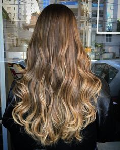 Charming spice light brown hair ideas 24 - All For Hairstyles Golden Brown Hair, Brown Ombre Hair, Brown Hair Balayage, Brown Blonde Hair, Brown Hair With Highlights, Ombre Hair Color, Light Brown Hair, Brown Hair Colors, Brunette Hair