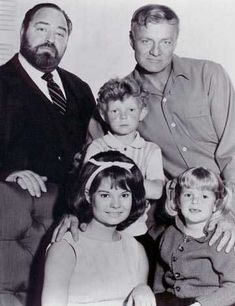 A gallery of Family Affair publicity stills and other photos. Featuring Anissa Jones, Sebastian Cabot, Brian Keith, Johnny Whitaker and others. Family Affair Tv Show, Anissa Jones, Old Shows, Vintage Tv, Vintage Hollywood, Classic Tv, Classic Movies, Best Tv, Childhood Memories