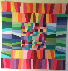 The working name for this quilt is All the Colours. It is my version of Krista (Poppyprint)& excellent new pattern Chess on the Steps - you can go here to see her quilt, it is worth it, I& wait. Strip Quilts, Scrappy Quilts, Design Web, Quilt Modernen, Art Textile, Textiles, Contemporary Quilts, Art Plastique, Fabric Art
