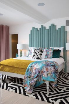 Unique and Modern Retro Home Decor Ideas Interior, Stylish Beds, Bedroom Interior, European Home Decor, Retro Bedrooms, Trending Decor, Eclectic Bedroom, Retro Home, Interior Design