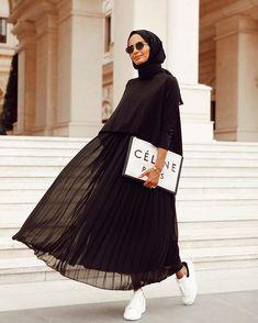 Plated Skirts style for Hijab – Hijab Fashion 2020 Casual Hijab Outfit, Hijab Chic, Hijab Elegante, Stylish Hijab, Hijab Style, Modern Hijab Fashion, Street Hijab Fashion, Hijab Fashion Inspiration, Abaya Fashion