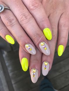 Neon and Neutral by Bellissimanails on Nail Art Gallery