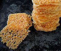 A legegyszerűbb diétás sajtcsipsz! Wow Recipe, Non Plus Ultra, Snack Recipes, Cooking Recipes, Cheese Crisps, Hungarian Recipes, Snacks Für Party, Food Plating, Diy Food
