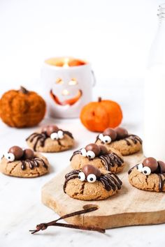 Spider Cookies, Cookies Et Biscuits, Halloween Stuff, Bakery, Desserts, Food, Chocolate Souffle, Peanut Butter, Tailgate Desserts