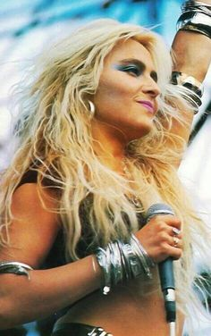 Doro Pesch, a beautiful and amazing German singer. She was with Warlock From She would then later go solo. I think she is the most beautiful woman ever. Chica Heavy Metal, Heavy Metal Girl, Heavy Metal Rock, Power Metal, Metal Bands, Rock Bands, Hard Rock, Elvis Presley, 80s Hair Metal