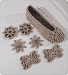 Image Article – Page 615937686519151366 Crochet Socks, Crochet Clothes, Girls Haircuts Medium, Diy Crochet Flowers, Popcorn Stitch, Doll Shoes, Knitting, Instagram, Handmade
