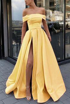 Split Prom Dresses, Pretty Prom Dresses, Hoco Dresses, Strapless Dress Formal, Beautiful Dresses, Amazing Dresses, Yellow Prom Dresses, Sexy Dresses, Summer Dresses