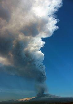 Mt. Etna in eruption  Alessandro Lo Piccolo