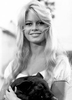 Brigitte Bardot and a friend in The Night Heaven Fell, 1958