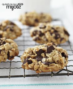 Peanut Butter Oatmeal Chocolate Chunk Cookies - Serve these with a cold glass of milk for a yummy after-school snack. Kraft Foods, Kraft Recipes, Chocolate Chunk Cookie Recipe, Chocolate Chip Oatmeal, Oatmeal Cookies, Chocolate Chips, Cadbury Chocolate, Chocolate Cookies, Peanut Butter Oatmeal