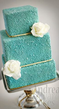 Modern Wedding Cakes - Browse the most creative and pretty wedding cake photos and designs for a sweet and unique dessert table come your big day. Whimsical Wedding Cakes, Pretty Wedding Cakes, Wedding Cake Photos, Wedding Cake Designs, Pretty Cakes, Wedding Cake Toppers, Divorce Cake, Wedding Cake Pearls, Cake Picks
