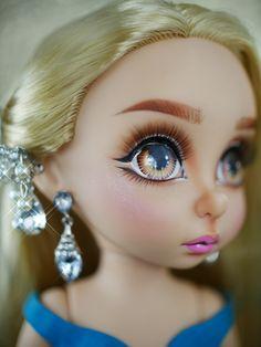 น่ารักน่าเอ็นดูมั้ย Disney Baby Dolls, Disney Princess Dolls, Baby Disney, Doll Repaint, Septum Ring, Drop Earrings, Jewelry, Paintings, Jewellery Making