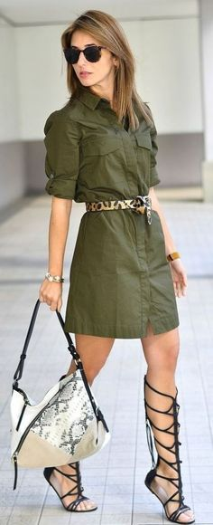 Vestido estiloso verde oliva