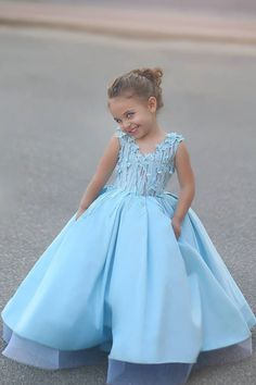 Cheap girls pageant dresses, Buy Quality flower girl dresses directly from China pageant dresses Suppliers: 2017 New Lovely Princess Light Blue Flower Girls Dresses V Neck Floral Appliqued Ball Gown Girl Pageant Dresses Pageant Wear, Girls Pageant Dresses, Pageant Gowns, Little Girl Dresses, Baby Pageant, Prom Dresses, Anna Lu, Kids Gown, Blue Ball Gowns