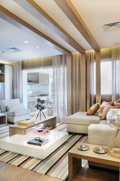 Sala, sofá, mesa de centro, tapete colorido