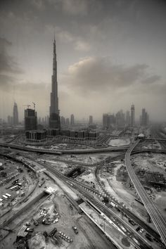 So high above the rest. So thin and breakable. Cool Pictures, Cool Photos, Dubai City, Dubai Uae, Rare Images, Urban Life, Looks Cool, Color Photography, Personal Photo