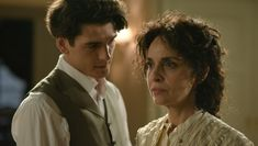 gran hotel - Yon Gonzalez y Adriana Ozores Ver Video, Gran Hotel, Series Movies, Writing Inspiration, Tv Shows, Romance, Actors, Couple Photos, Photography