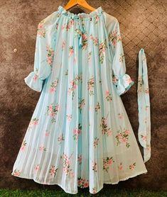 Western Dresses For Girl, Stylish Dresses For Girls, Frocks For Girls, Western Wear, Elegant Dresses, Casual Dresses, Girls Dresses, Beautiful Dress Designs, Stylish Dress Designs