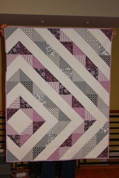 This pattern pops up everywhere. Love the lilac & grey combo.