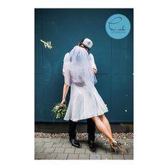 Diese coole 'real Bride' trägt unseren weißen Tupfenschleier PAULETTE www.bellejulie.de Danke @eninella für das tolle Foto