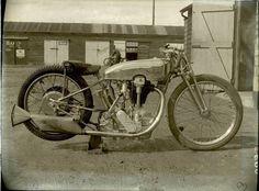 Bill Lacey Norton CS1 1931. Brooklands.