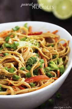 Peanut Ginger Noodles with whole wheat noodles Whole Wheat Noodles, Whole Wheat Pasta, Veggie Wraps, Healthy Dinner Recipes, Vegetarian Recipes, Cooking Recipes, Healthy Food, Healthy Eating, Healthy Chicken