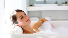 Το καυτό μπάνιο καίει τις ίδιες θερμίδες με 30 λεπτά περπάτημα!